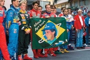 Drivers gather at the front of Monaco grid 1994
